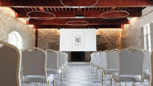 Salle de réception en configuration séminaire