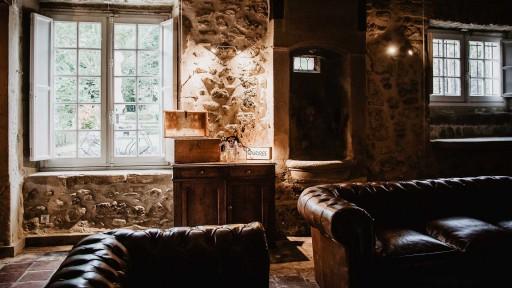 Salons conviviaux et chaleureux