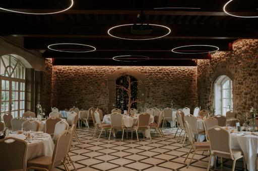 La Grande Salle préparée pour le banquet