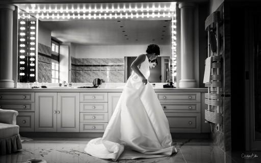 Préparation de la mariée dans sa suite